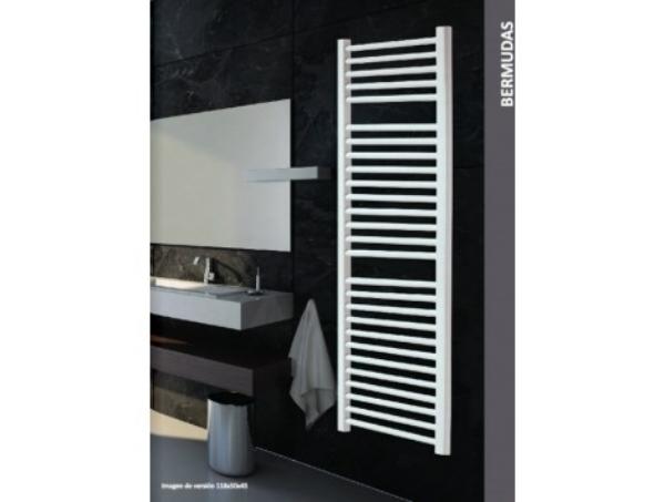 Imagen de Radiador Bermudas. toallero de diseño acabado esmaltado blanco. Tubo redondo