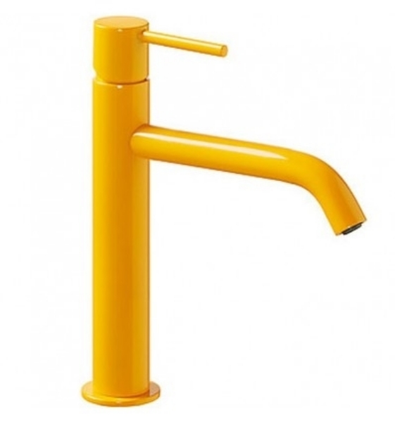 Imagen de Grifo de lavabo monomando Tres Study Amarillo ambar modelo  TRES 262.307.01.TAM.D